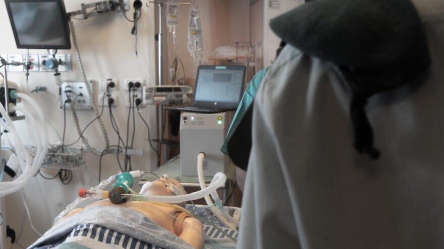 IDF's military intelligence technological unit pioneers new way to make ventilators