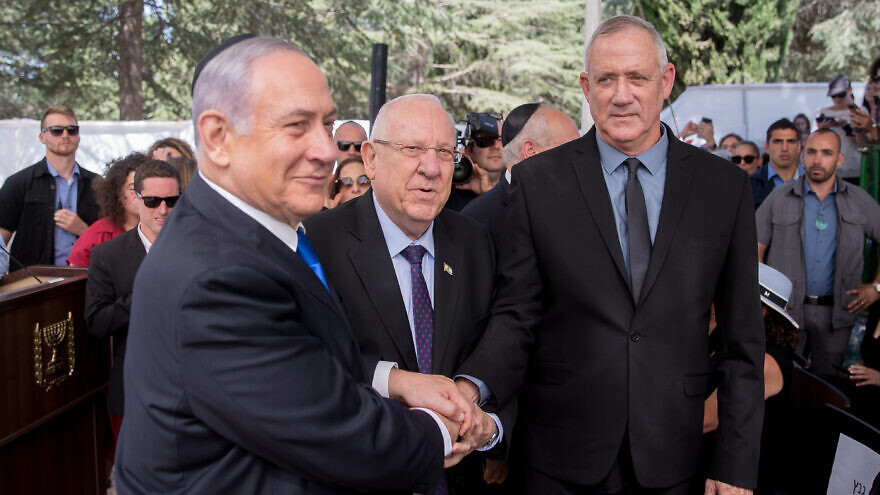 Unity talks resume after Rivlin approves 48-hour mandate extension for Gantz
